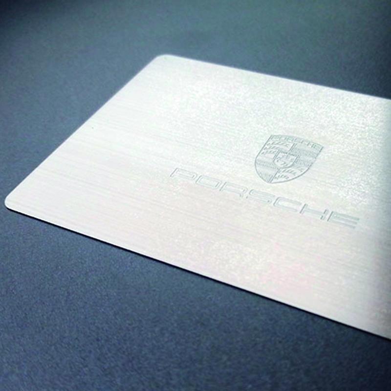 Visittkort av metall, sølv, Porsche